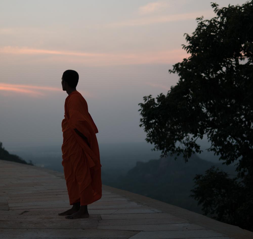 temple sri lanka monk mihintale